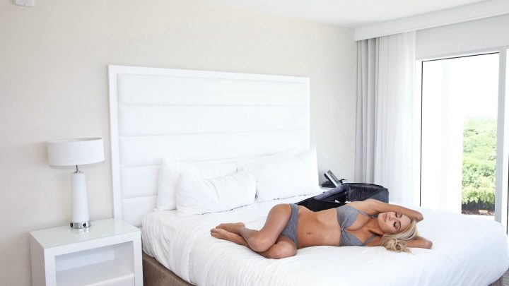 Pervsonpatrol.com – Tiny Blonde Fucks Hotel Employee Janice Griffith 2015 Girlfriend