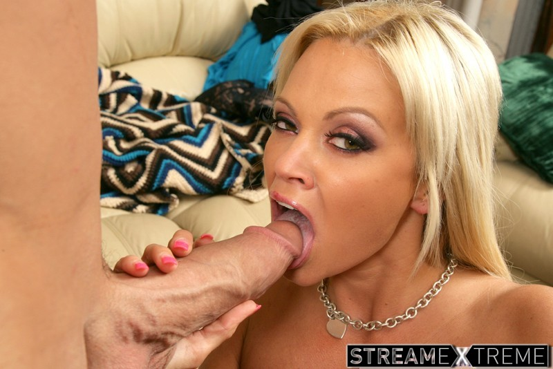 Mydadshotgirlfriend.com – Nikita Von James & Billy Glide Nikita Von James &  Billy Glide