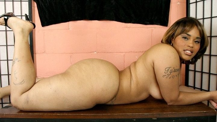 Plumperpass.com – Ghetto Booty Bumpin' vol. 1 Chyna Red 2007 Small Tits
