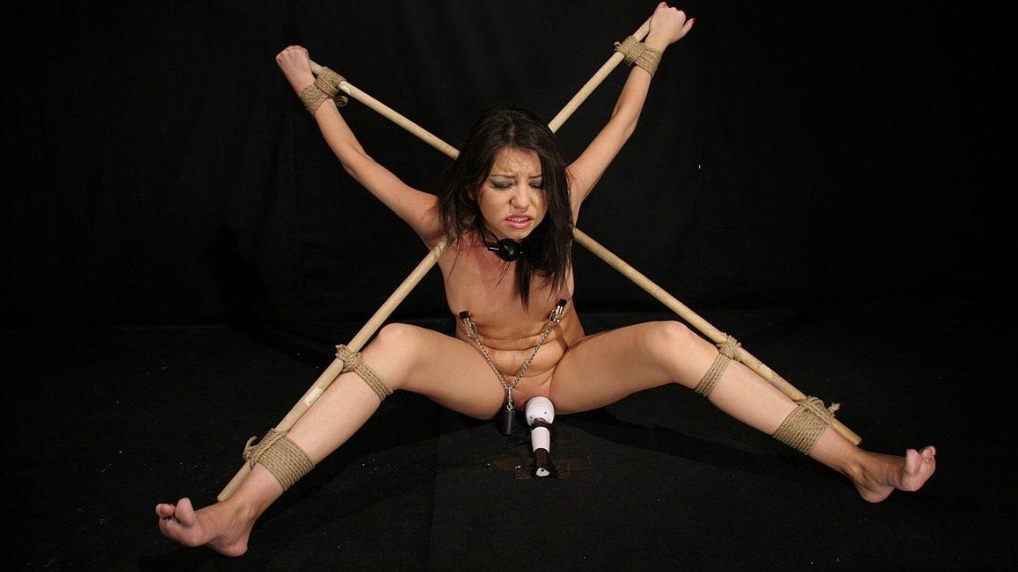 21sextreme.com – Crucifi3d and Fucked Karen 2012 Bdsm