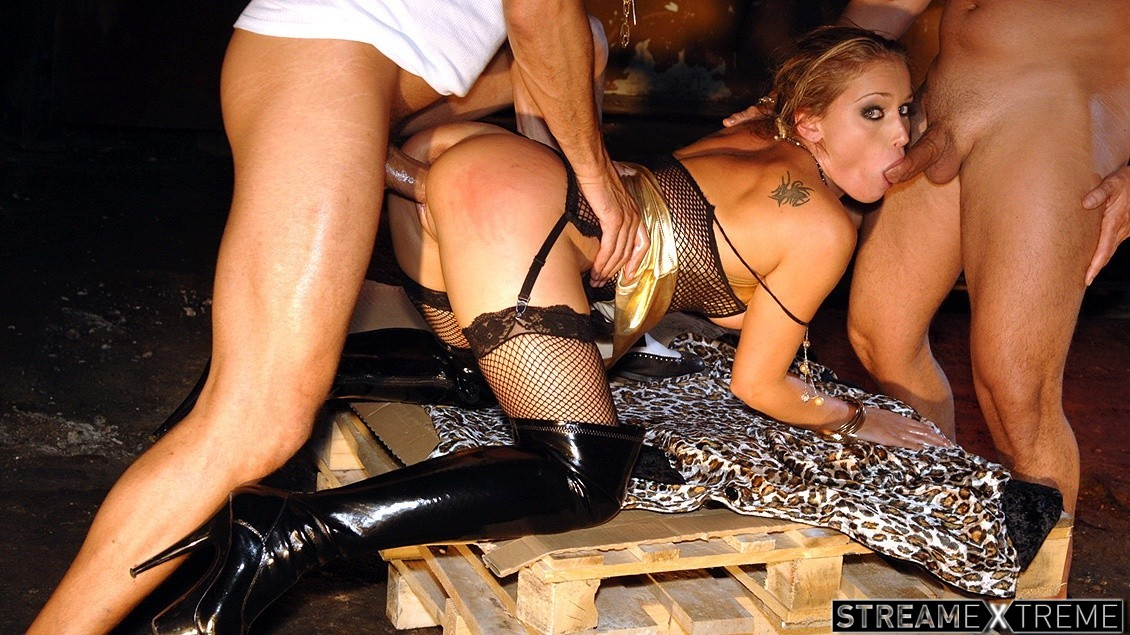 Private.com – Kathy Gets Chained Up, Spanked,.. Kathy Campbel 2010 BDSM