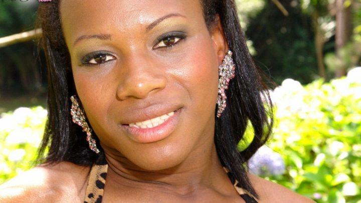 Blacktgirls.com – Sao Paolo Bombshell Rafaela Lorane! Rafaela Lorane 2007 Transsexual