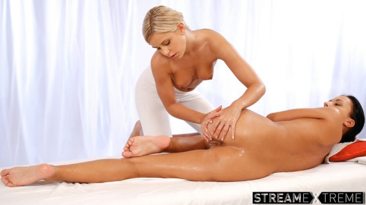 Massagerooms.com – Tanned Beauty Gets Her Pussy.. Bailey Ryder & Lola Myluv 2013 Pussy Fingering