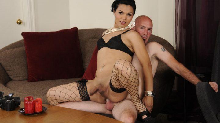 Devilsfilm.com – Transsexual Babysitters #13,.. Smith & Gaby B 2011 Blowjob