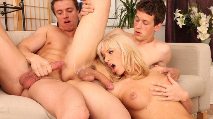 Doghousedigital.com – Bi-Sexual Cuckold #02, Scene #01 Bella Morgan 2012 Threesome