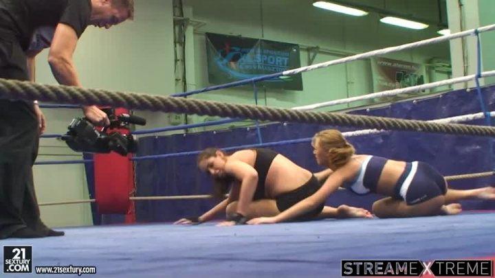 21sextury.com – NudeFightClub backstage with.. Lisa Sparkle & Linda Ray 2010 Blonde