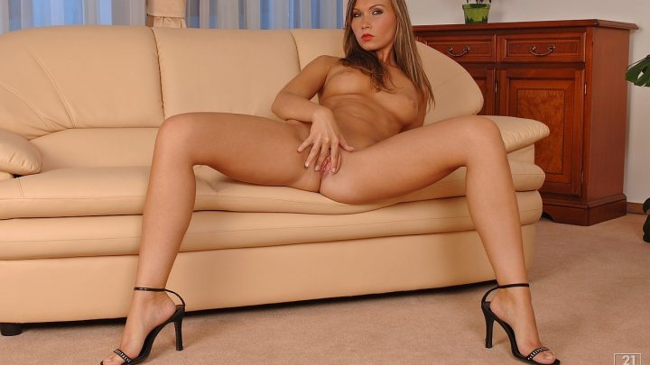 21sextury.com – Private striptease Mary Jane 2006 Teen