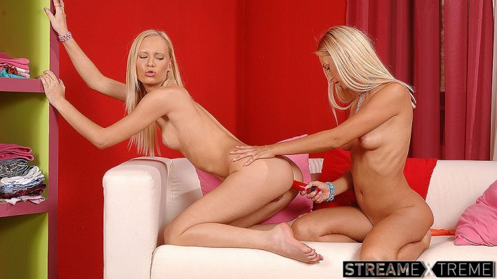 Euroteenerotica.com – Do you like hot and horny blondes? Gitta Blond 2008 Green Eyes
