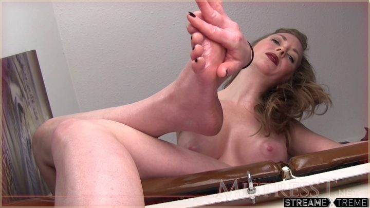 Mistresst.com – Below Me At My Feet  2013 Masturbation Instruction