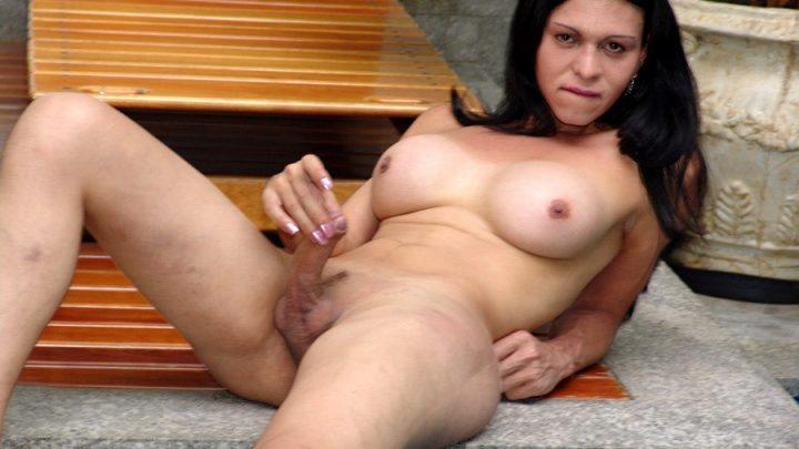 Brazilian-transsexuals.com – Busty Thais Meclayne Jacks Off! Thais Meclayne 2005 Transsexual