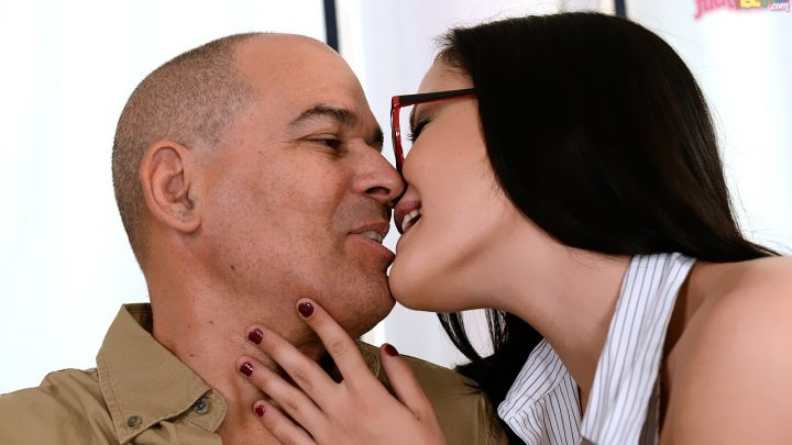 21sextreme.com – Mistakes in Life Dolly Diore 2015 Grandpa