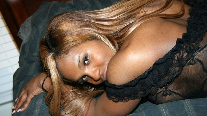 Blacktgirls.com – Kennedy Logan Plays It Kennedy Logan 2007 Transsexual