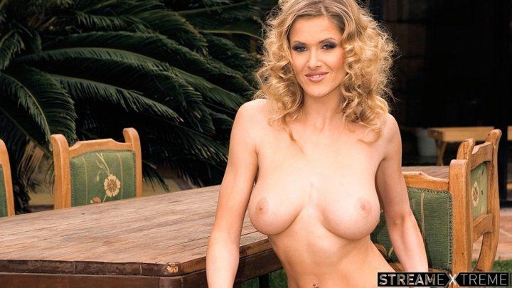 Private.com – Jane Darling Has a Big Titty Fuck.. Jane Darling 2011 Blowjob